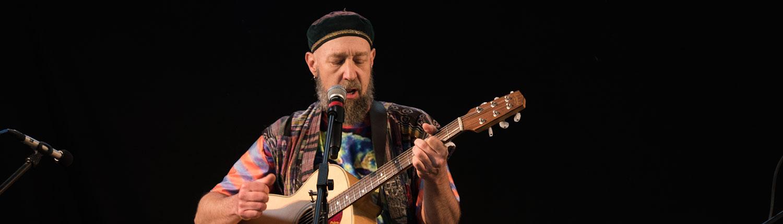 Musiker Dave Mackey kommt nach Deutschland