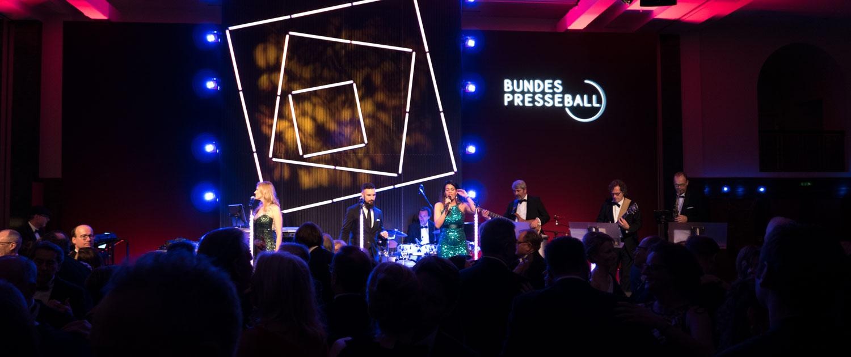 Künstlervermittlung Böttger Management hochkarätige Gala-Band auf Bundespressball Berlin