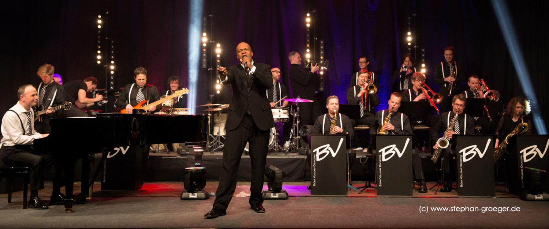 Big Band Björn Vüllgraf Orchestra mit Sänger