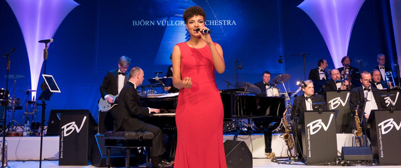 Big Band Björn Vüllgraf Orchester mit Sängerin Shereen Adam