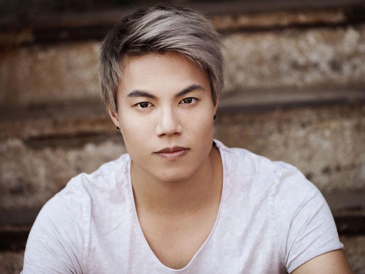 RTL Supertalent Gewinner Jay Oh singt bei Noble Composition Galaband