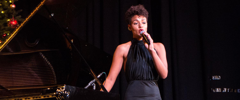 leidenschaftliche Jazz Sängerin Sheree Adam buchen