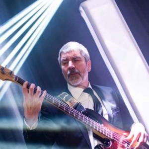 Andreas Düro ist Bassist in ABBAs Tributeband